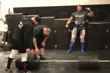 Hafthor Bjornsson Deadlifts 440kg